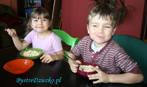Pomysł na obiad z dziećmi - przepisy na sałatki jarzynowe - przepisy dla dzieci