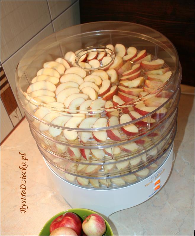 Suszone owoce na zimę - suszone jabłka dla dzieci