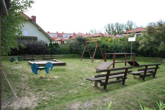 Plac zabaw Muchobór Wielki we Wrocławiu, ul. Drohobycka