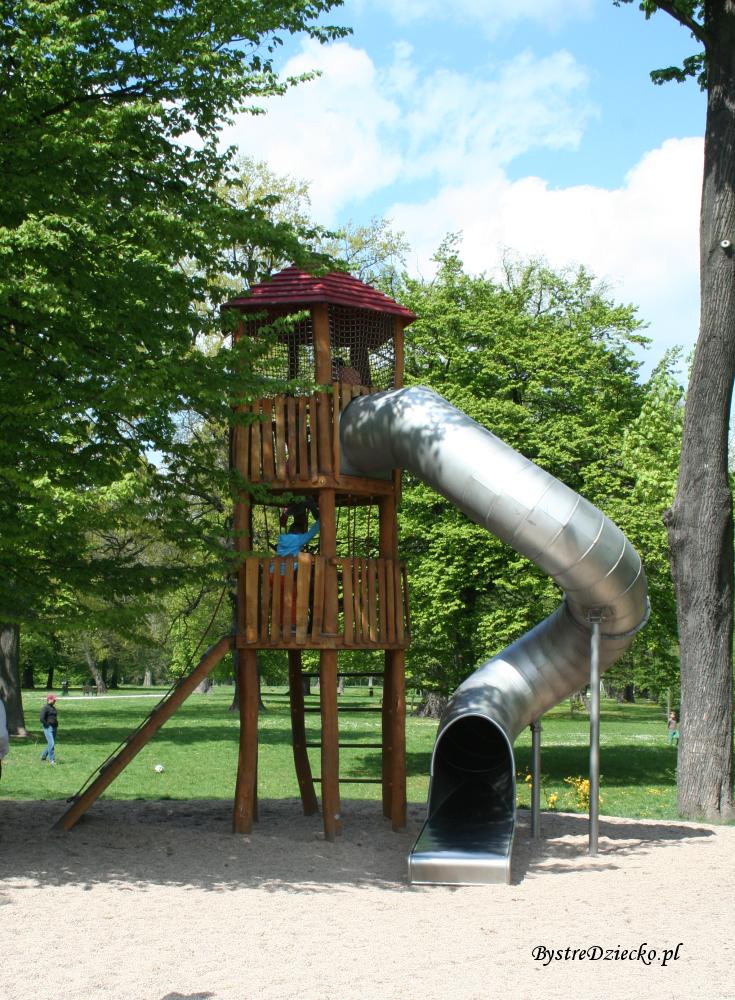 Zjeżdżalnia rurowa - Plac zabaw dla dzieci we Wrocławiu w Parku Klecińskim