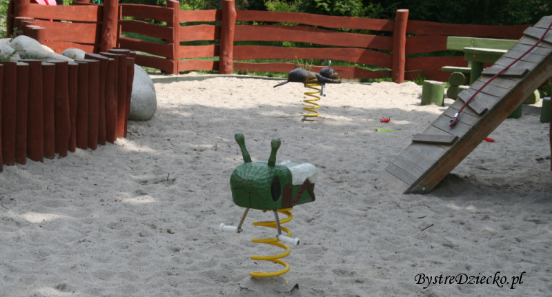 Plac dla maluchów - Plac zabaw dla dzieci we Wrocławiu w Parku Klecińskim