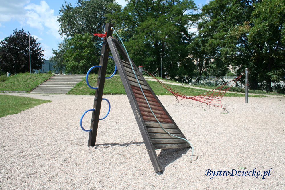 Atrakcje dla dzieci Wrocław - Plac zabaw dla dzieci na Wyspie Bielarskiej