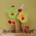 Kurczak z papieru jako ozdoba wielkanocna wykonana przez dzieci w ramach zajęć plastycznych