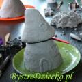Zajęcia plastyczne dla dzieci z papier mache - chatka dla skrzata