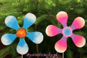 Kwiaty z tektury falistej - zabawy plastyczne dla dzieci - ekologiczne zabawki z recyklingu