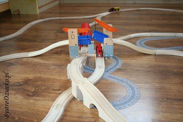 Kolejka drewniana Tesco - zwodzony most