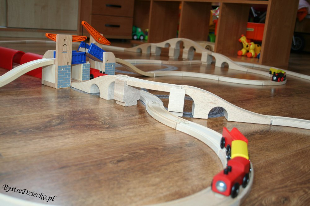 Kolejka drewniana Tesco i kolejka Ikea