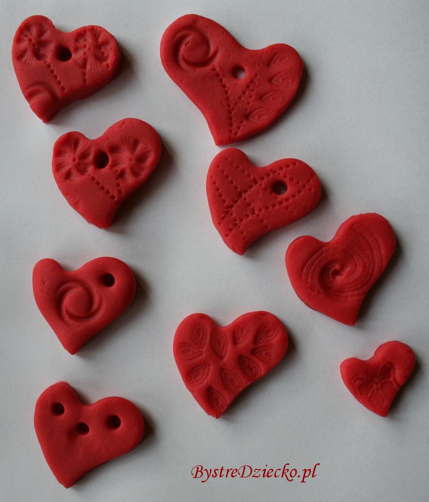 Domowa ciastolina - zajęcia plastyczne dla dzieci wspierające rozwój grafomotoryki