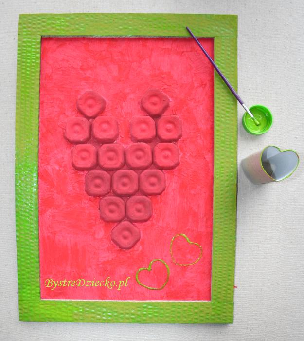 Serce walentynkowe z domowej ciastoliny w prezencie dla ukochanej osoby - prezent na Walentynki